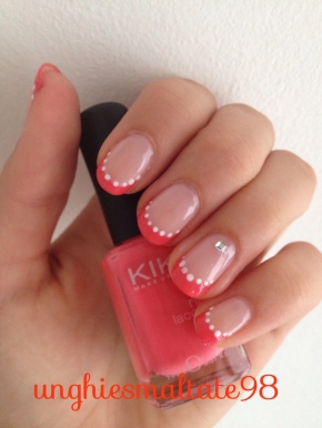 red and pois french manicure