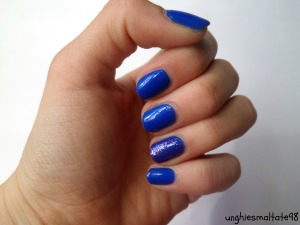 Blue and pink accent manicure