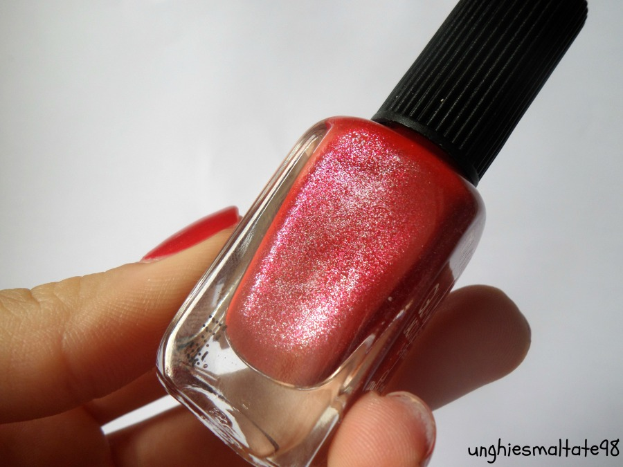 Red manicure + my interview!!