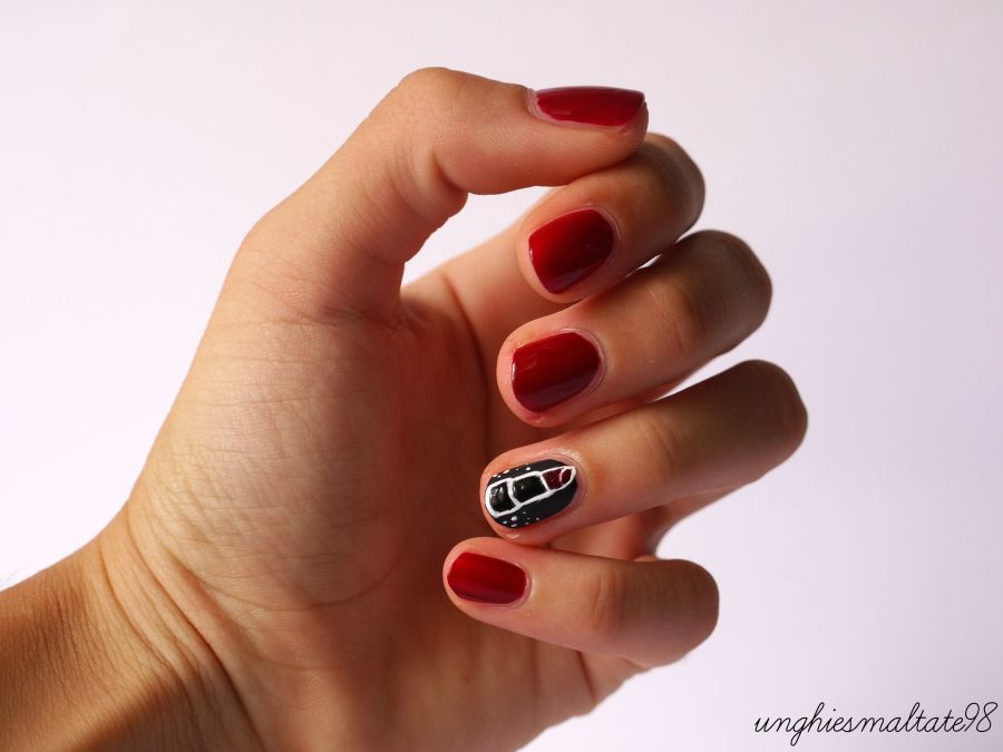 Let's try it: Red Lipstick nail art with p2 cosmetics