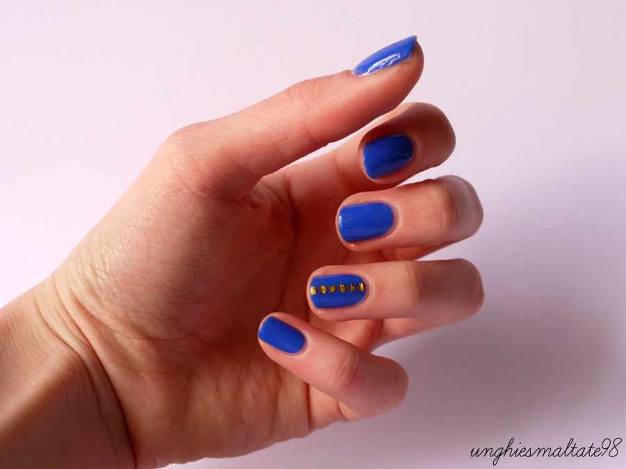 Gold & Blue nail art (3)