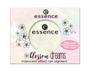 essence blossom dreams iridescent effect nail pigment
